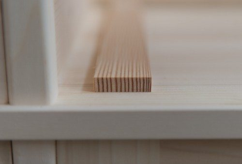 Guida calibrata in legno massello per cassetti mobili in arte povera