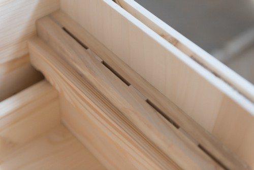 Fessure porta coltelli in madia in legno massello